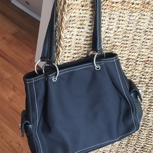 Nine W. shoulder bag in black great condition